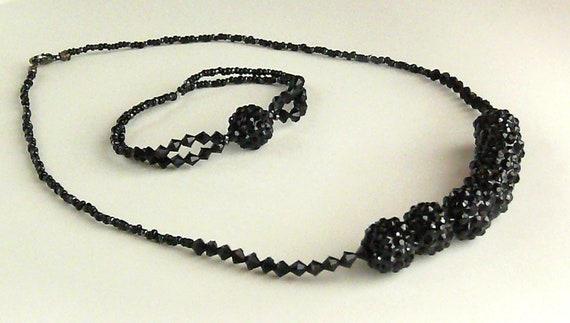Black vintage/art deco-style Necklace & Bracelet Set
