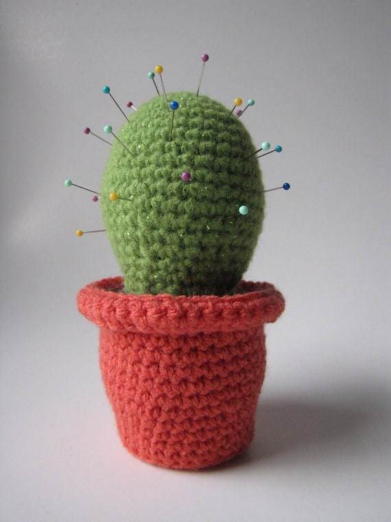 Potted Cactus Amigurumi crochet pincushion decoration toy.