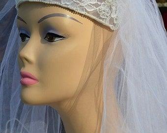 "White Vintage Wedding Headband & Faux-Pearl Edged 52"" Veil"