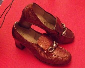 Sale Women heels size 8B genuine alligatoror snake lizard embossed leather,Made expressly for GIMBELS Designers shoppe