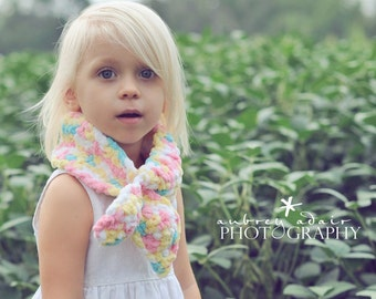 Pretty Pastels Scarf, Girls Bow Scarf, Crochet Neck Warmer, Little Girls Scarf, Scarves, Toddlers Scarf, Kids Neck Wrap