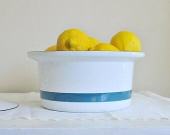 Cathrineholm Style Casserole Dish, White and Blue Striped Small Lidded Baking Pan, Mid Century Servex Scandinavian Design Modern Kitchen