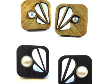 Reflection w/ Pearl Bamboo Studs-KSE111002