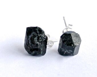 black tourmaline studs // crystal earrings // crystal stud earrings // black crystal // protective crystal //