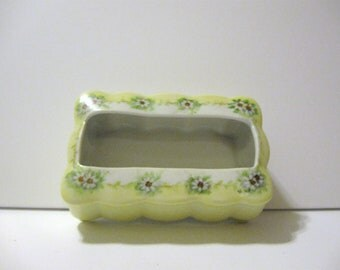 Vintage porcelain yellow green trinket porcelain box hair receiver