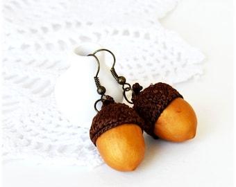 Handmade Acorns Earrings Woodland Jewelry, Polymer clay earrings, Dangl earring