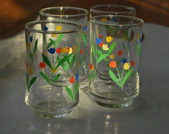 Vintage spring time flower tumblers - set of 4 - red green blue yellow - Glasses - Glass