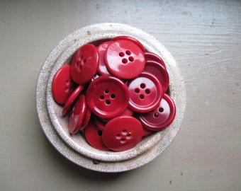 Red buttons/shades set of 25