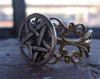 Satantic Pentagram Ring - What the Devil - Goat's Head Satan Silver-Tone Adjustable