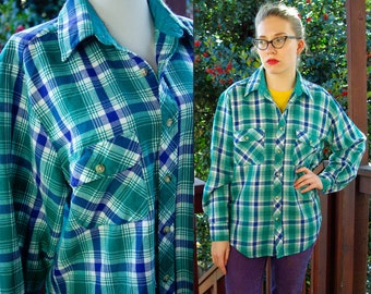 High Sierra 1980's 90's Vintage Blue and Green Plaid with Front Pockets Men's Shirt size Medium