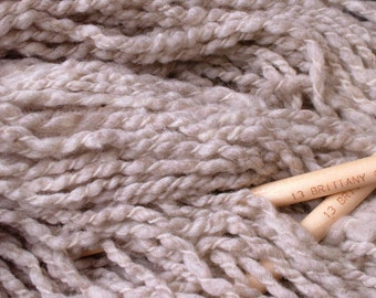 Exclusive Genopalette / all American farm natural colored undyed pale grey and white variegated wrapped yarn knitting felting 5 oz skein