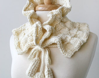Fiber Art Scarf - Luxurious Merino Wool Hand-Knit Scarflette - Women Fashion Accessories - Ivory White Cream