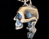 Gothic Jewelry, Screaming Skull Necklace, Moveable Jaw, Talking Head, Dead Creature, Fun Novelity