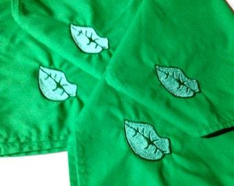 "4 Napkins Green Lips KISS ME Napkins Set of 4 Kelly Green approximately 13"" x 13"" Gothic Goth"