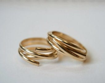 14kt Gold-filled Going in Circles ring, gold fill wraparound ring, gold filled wrap around ring, gold spiral ring, twisted gold stack ring