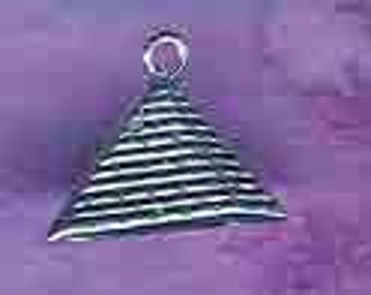 Pyramid Pendant in Sterling Silver Egyptian Jewelry Eg47
