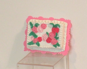 Miniature sheet cake white with pink flowers
