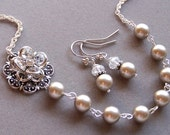 Bridesmaid GIFT -  Custom Pearl and Flower Necklace , Bride Bridesmaid Necklace, Flower Jewelry, Wedding Jewelry - 2098