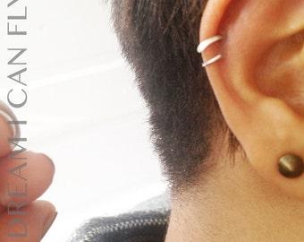 7mm 22g 22K Gold Delicate Cartilage Hoop / Pierced Ear Cuff - 7mm Hammered Open Hoop Earrings in 22 gauge solid 22K yellow gold