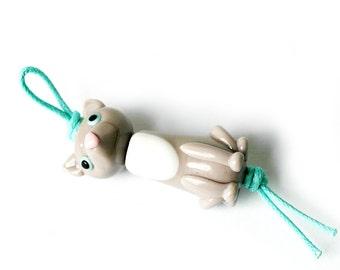 Gray cat bead set