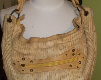 What a LOVELY Textured Vintage Leather HOBO Purse