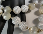 Light as air, very retro vintage MOP and plastic bead necklace, 24 inches