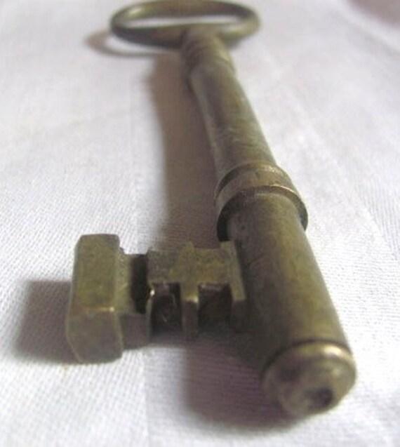 Huge Antique Brass Skeleton Key...hve