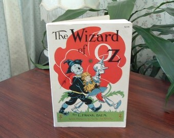 Vintage classic  Children's story book The Wizard of OZ