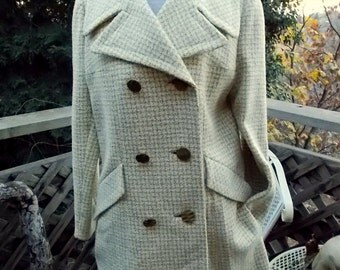 Princess Coat Double Breasted Cutie in Green and Cream Houndstooth Wool Immaculate sz 36-38