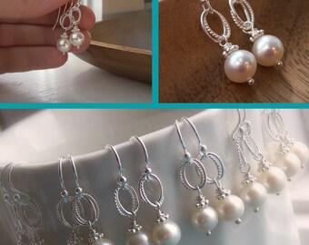 Pearl bridesmaid earrings Bridesmaid earrings set of 6 pairs of earrings White pearl earrings Ivory pearl earrings Pearl bridesmaid jewelry