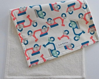 CLOSEOUT SALE - Organic Collection Burp Cloth - Coral Scooters