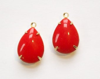 Vintage Opaque Red Glass Teardrop Stones 1 Loop Brass Setting 18x13mm par004Z