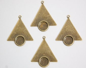 1 Loop Brass Ox Triangle Drops Charms with 7mm Setting (6) mtl066B
