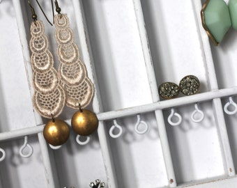 Jewelry Display White Distressed
