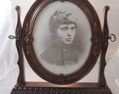 M114 Vintage Swivel Picture Frame for 8 by 10 inch Photograph