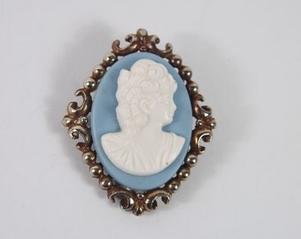Plastic Cameo Brooch 60s Vintage Jewelry