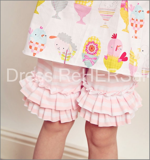 Knit Pink and white double ruffle shorts 12 18 24 2 3 4 5 6 7 8 Shorties