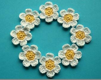 Crochet  Flowers Daisies in white and lemon yellow