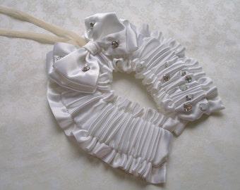 Hand made Vintage style Wedding Horseshoe Keepsake for the Bride white with cream velvet hand loop