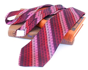 Vintage Necktie Wide 1970s Pink Red Wine Diagonal Stripe
