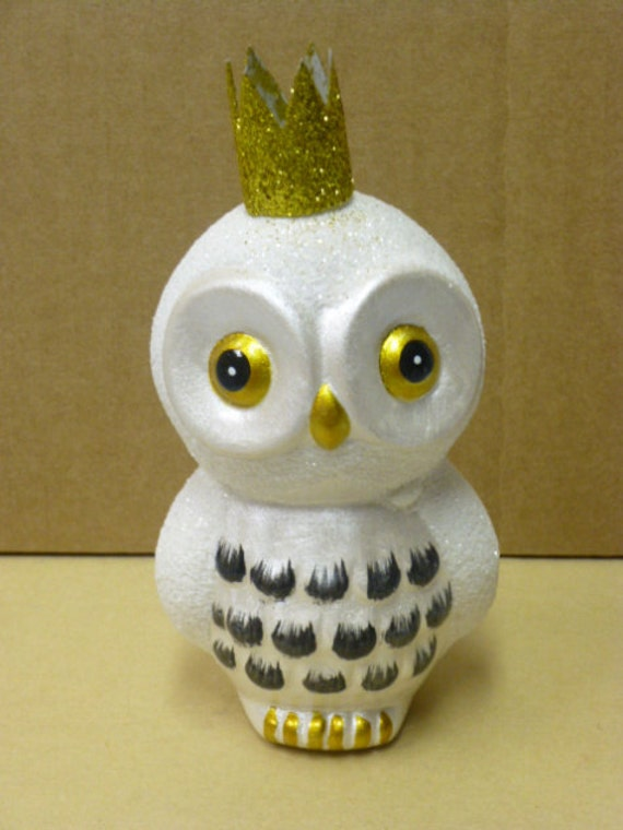 HALF PRICE SALE / little show owl  with glitter crown / owl collector / ceramic owl decoration / owls / crown / owl with crown