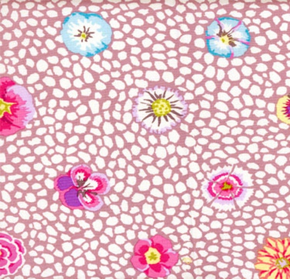 Cockerels Are Scattered All Over This Fabric Made From: Kaffe Fassett GUINEA FLOWER MAUVE Gp59 Pink Floral Quilt