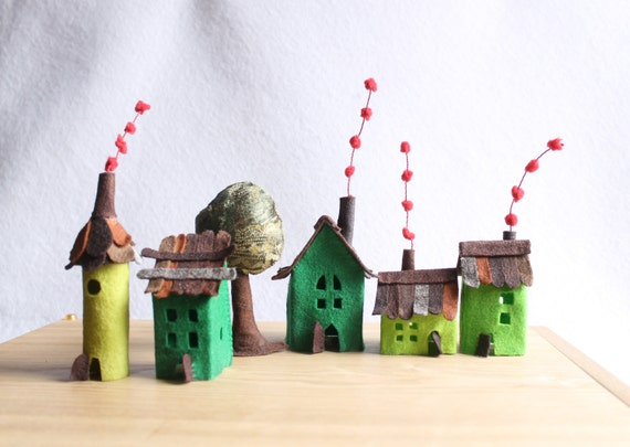 Felt houses with tree, Green Village, Miniature.