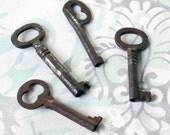 Four Vintage Keys (SK1387)