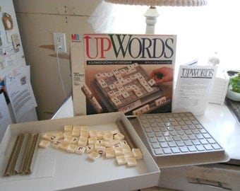 1988 MB Up Words A 3 Dimensional word game Ages 10 to Adult 2-4 players