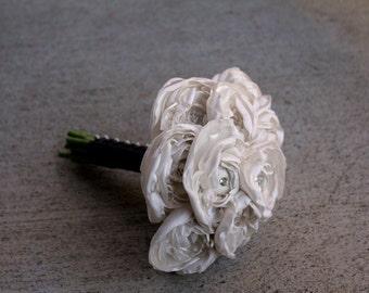 Fresh Picked - Ivory Ranunculus Button Bouquet