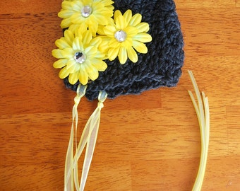 SALE....Newborn wool Bonnet with Flower Hair clip... Photography Prop... Ready to ship