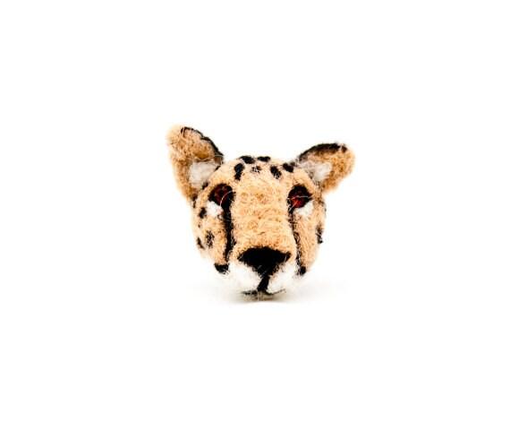 Cheetah brooch, Cheetah jewelry, Felt cat brooch, Animal brooch, Cat jewelry