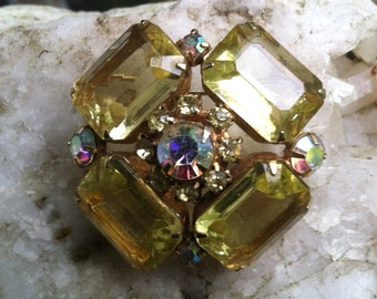 Vintage yellow glass BROOCH