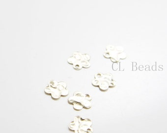2pcs 14K Gold Filled Hammered Flower Charms - 8mm